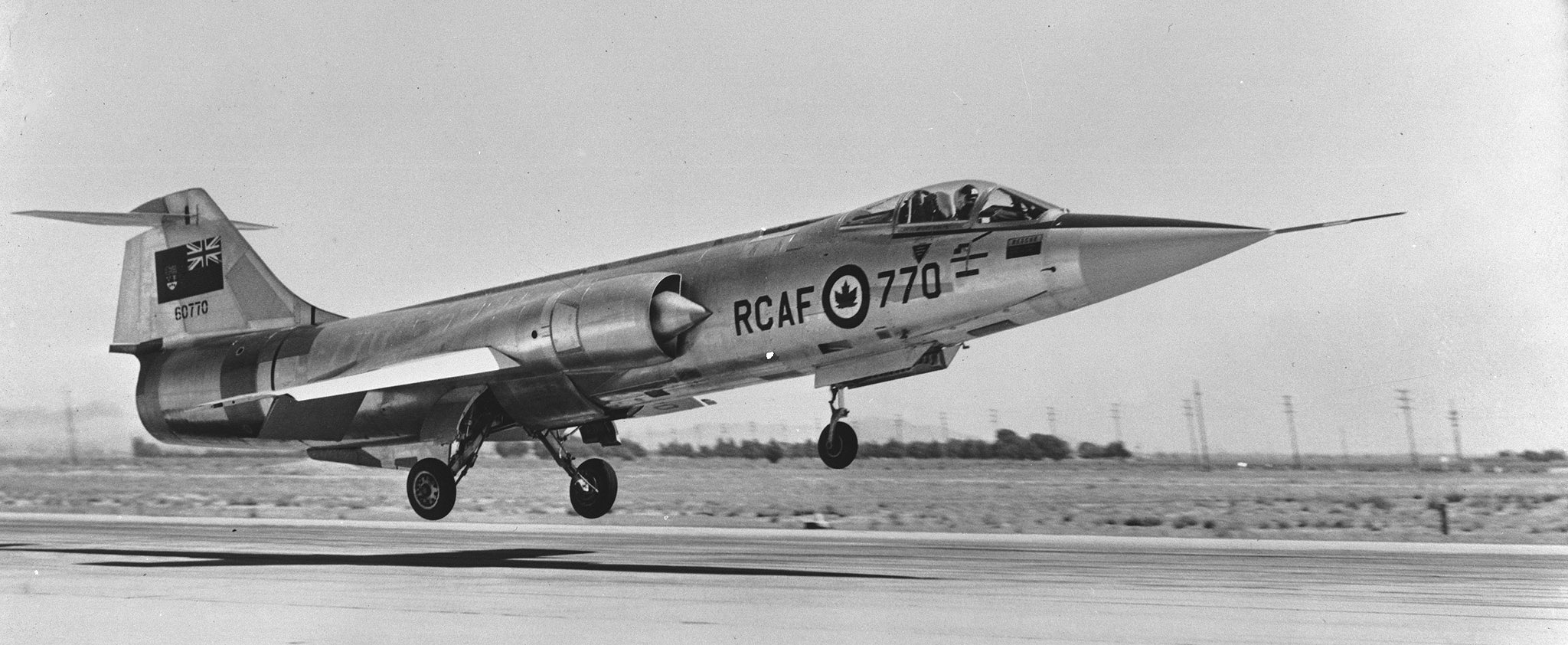 A CF-104 Starfighter landing. PHOTO: PL-132324