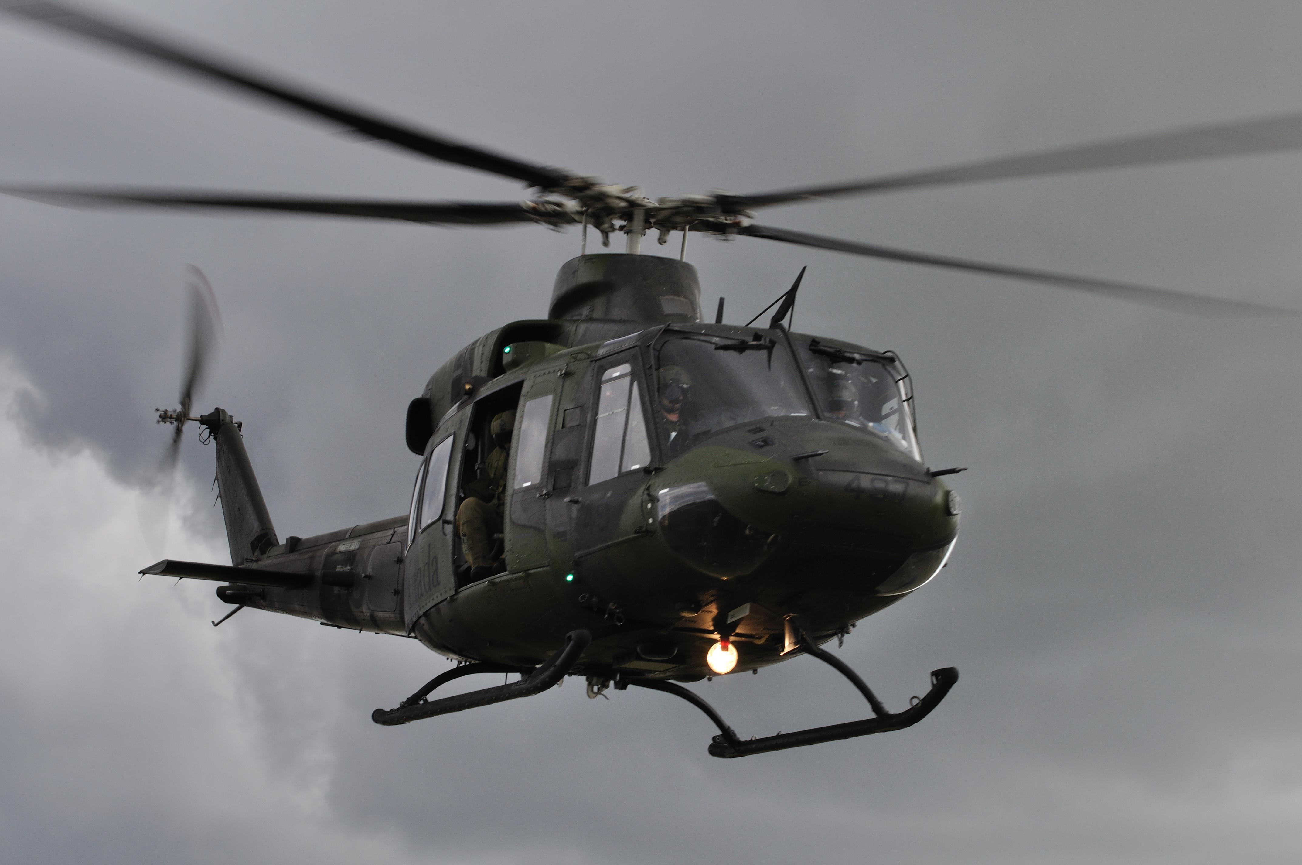 Aviation royale canadienne article de nouvelles le for Porte helicoptere