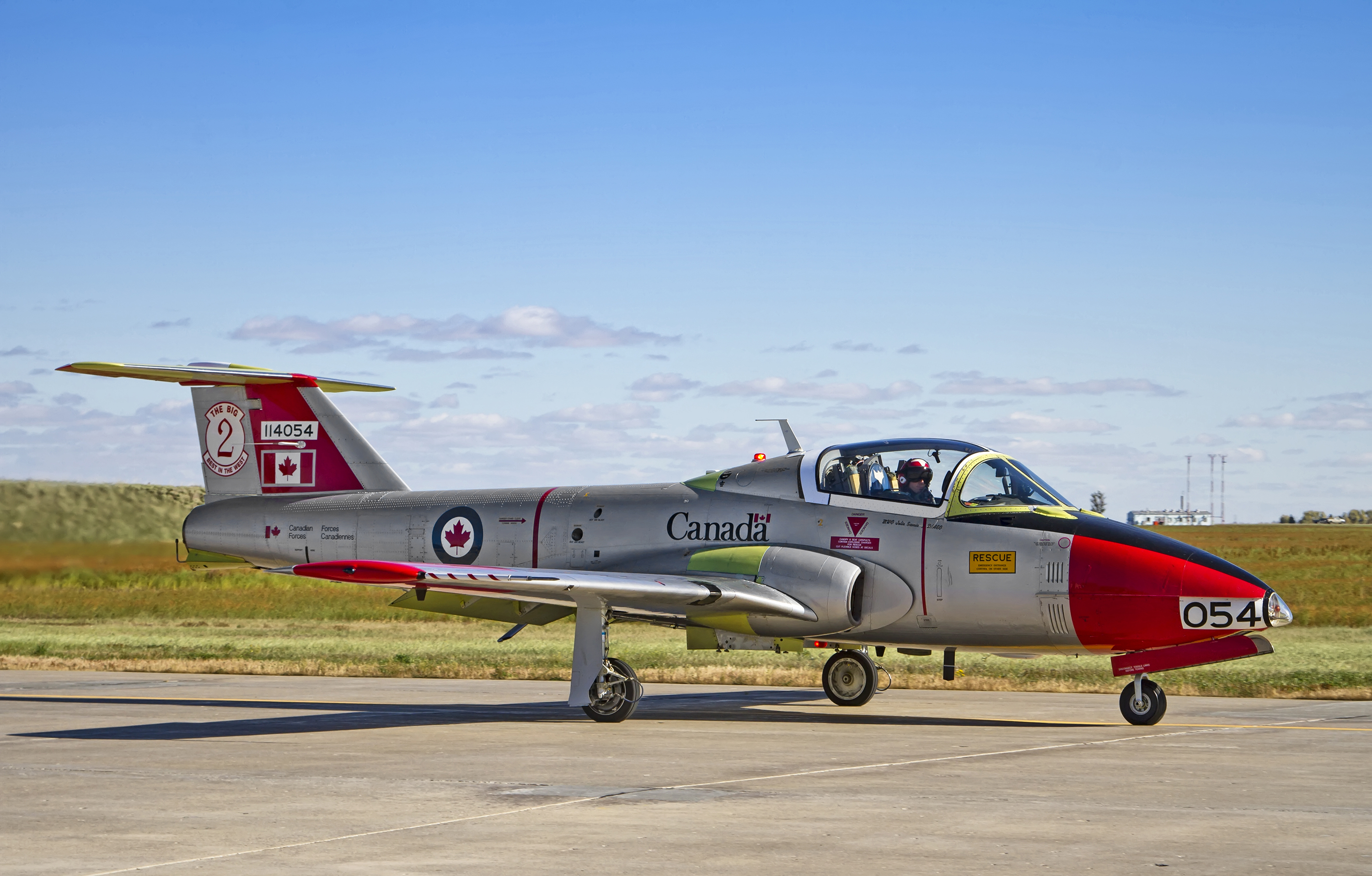 During the Tutor 50th Anniversary celebration at 15 Wing Moose Jaw, Saskatchewan, on October 3 – 4, 2014, a CT-114 Tutor jet fighter displays the colours and markings that Tutors wore in the mid-1960s as primary trainers at 2 Canadian Forces Flying Training School at 15 Wing. PHOTO: Mike Leudey