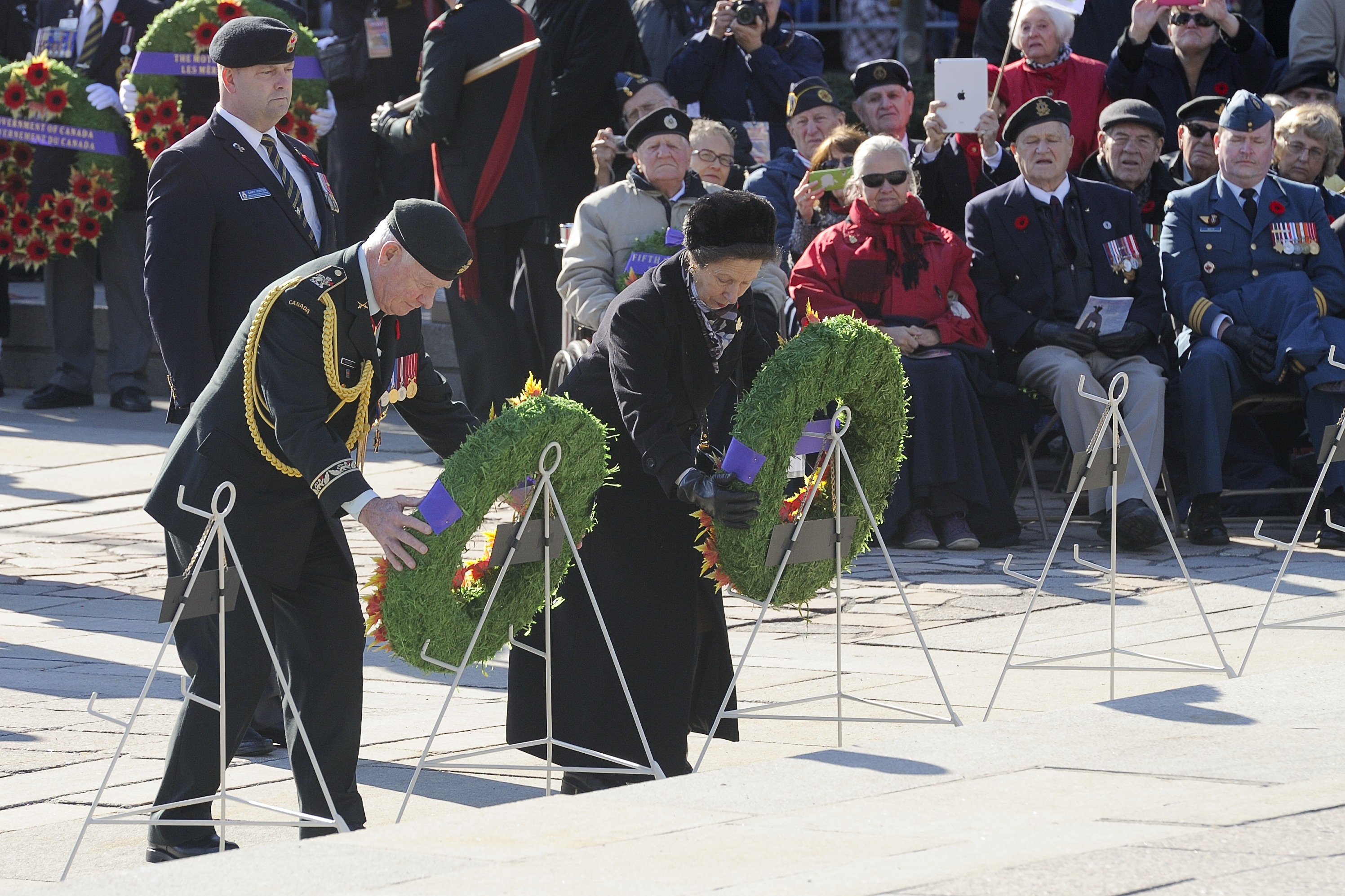 Princess Anne and Governor General David Johnston lay wreaths at the National War Memorial during the National Remembrance Day Ceremony in Ottawa, Ontario, on November 11, 2014. PHOTO: Corporal Michael J. MacIsaac