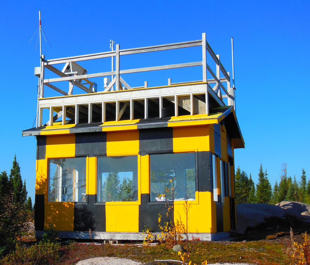 This structure is used for training forward air controllers. PHOTO: DND