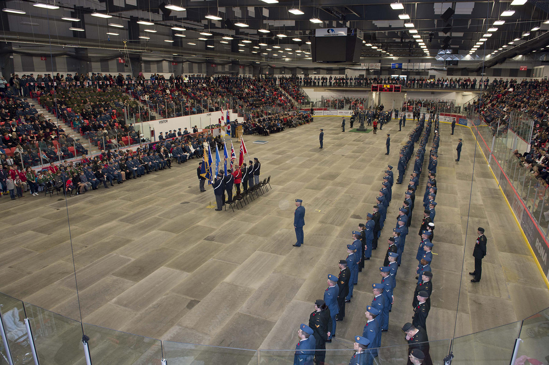 4 Wing Cold Lake, Alberta, personnel and members of the local community honour the memory of fallen Canadian Armed Forces members during the Remembrance Day ceremony held at the Cold Lake Energy Centre on November 11, 2015. PHOTO: Corporal Manuela Berger