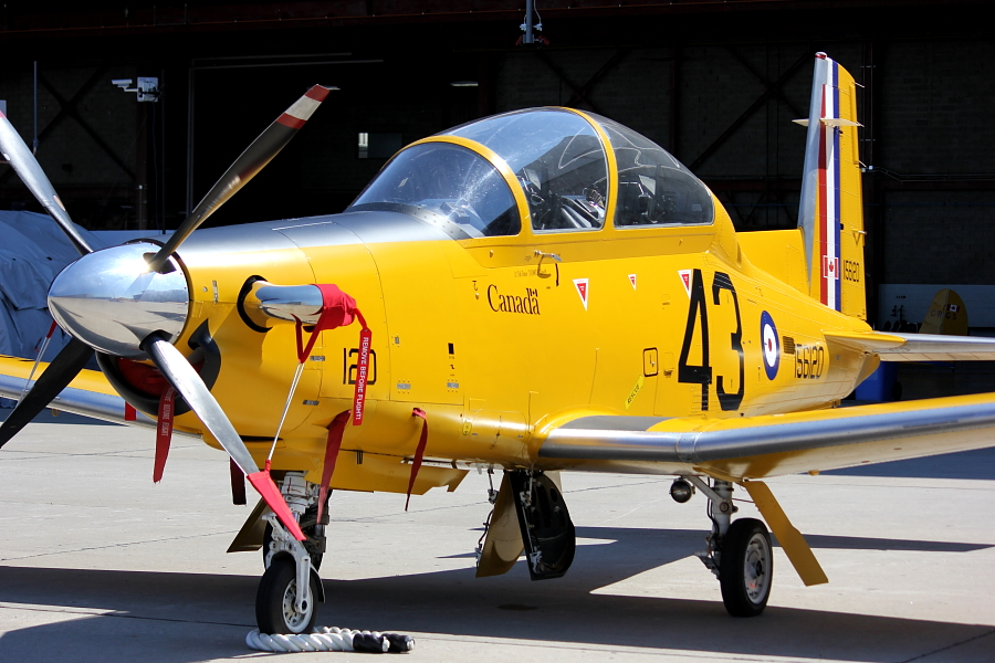 A CT-156 Harvard II, painted in the same bright yellow colour of the BCATP training aircraft, flew in from 15 Wing Moose Jaw, Saskatchewan, for the 2016 Quinte International Air Show in Trenton, Ontario. PHOTO: © Attila Papp