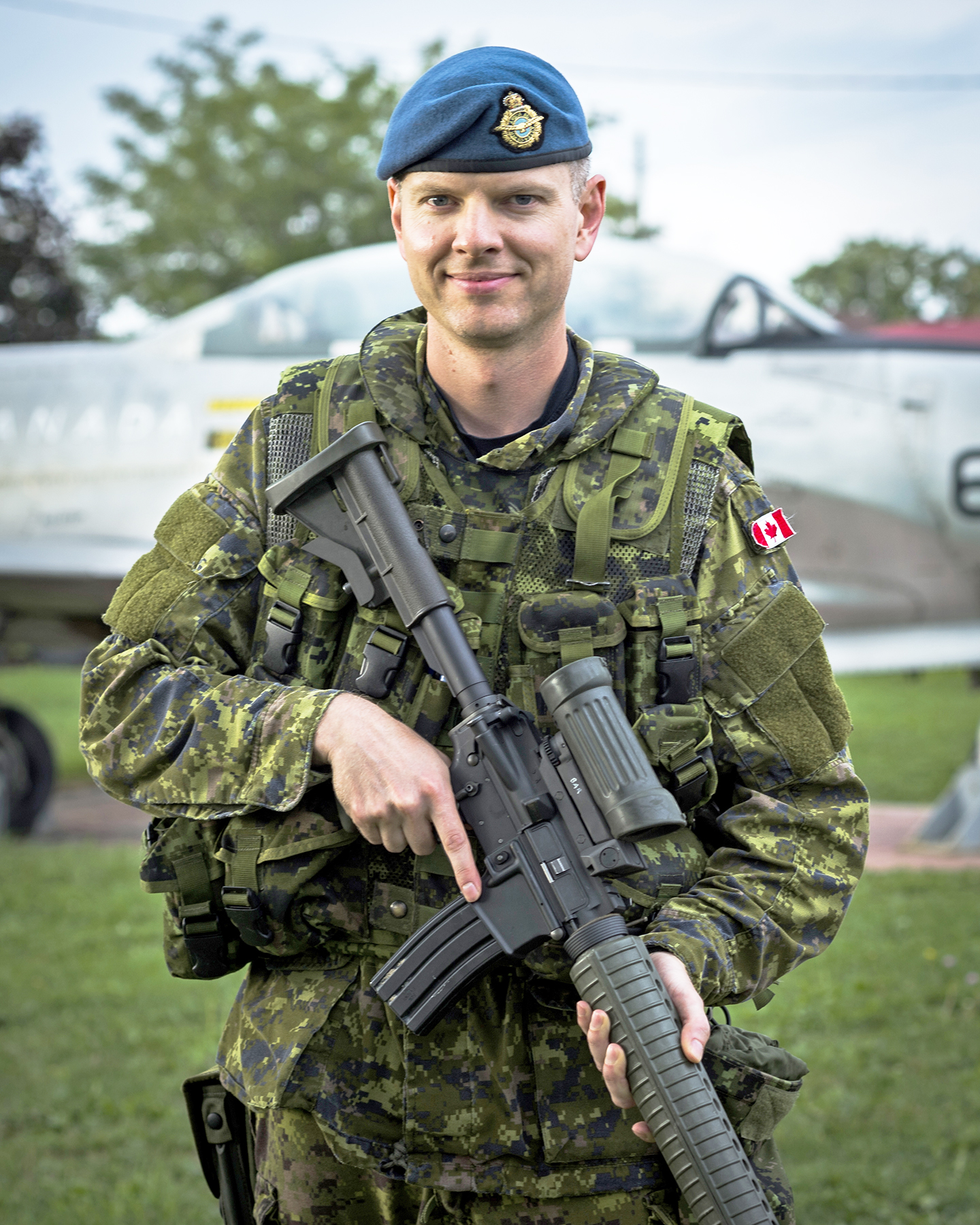 Royal sedan chair - Article Royal Canadian Air Force News Article Rcaf Officer Takes