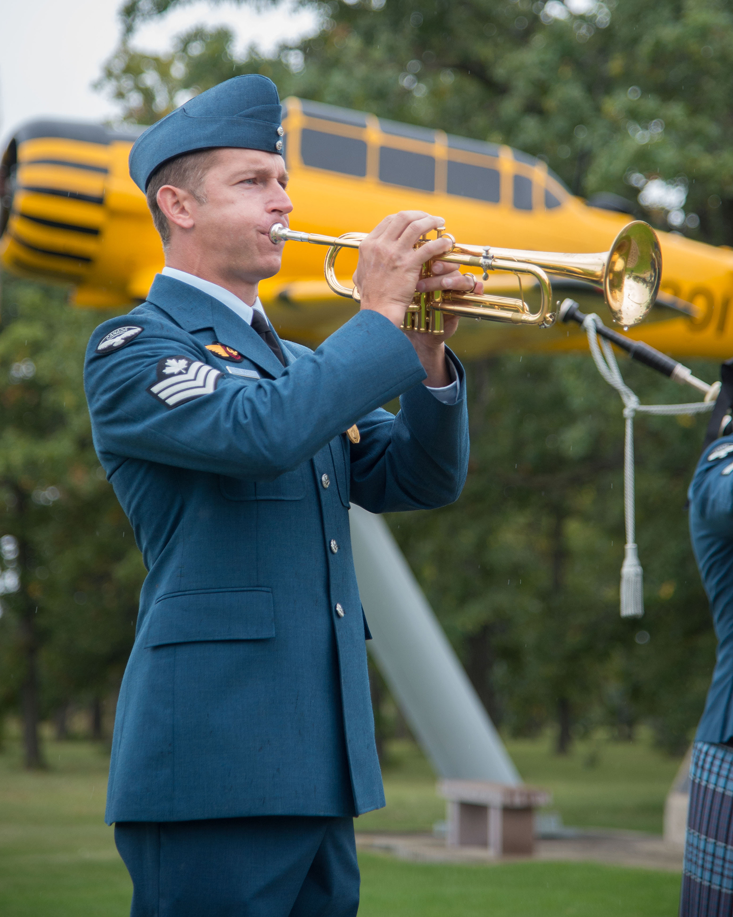 17 Wing Winnipeg, Manitoba, Sergeant Marleau Belanger sounds the Last Post during a ceremony marking the 76th anniversary of the Battle of Britain, held at the Garden of Memories in Winnipeg on September 18, 2016. PHOTO: Corporal Paul Shapka, WG2016-0406-020