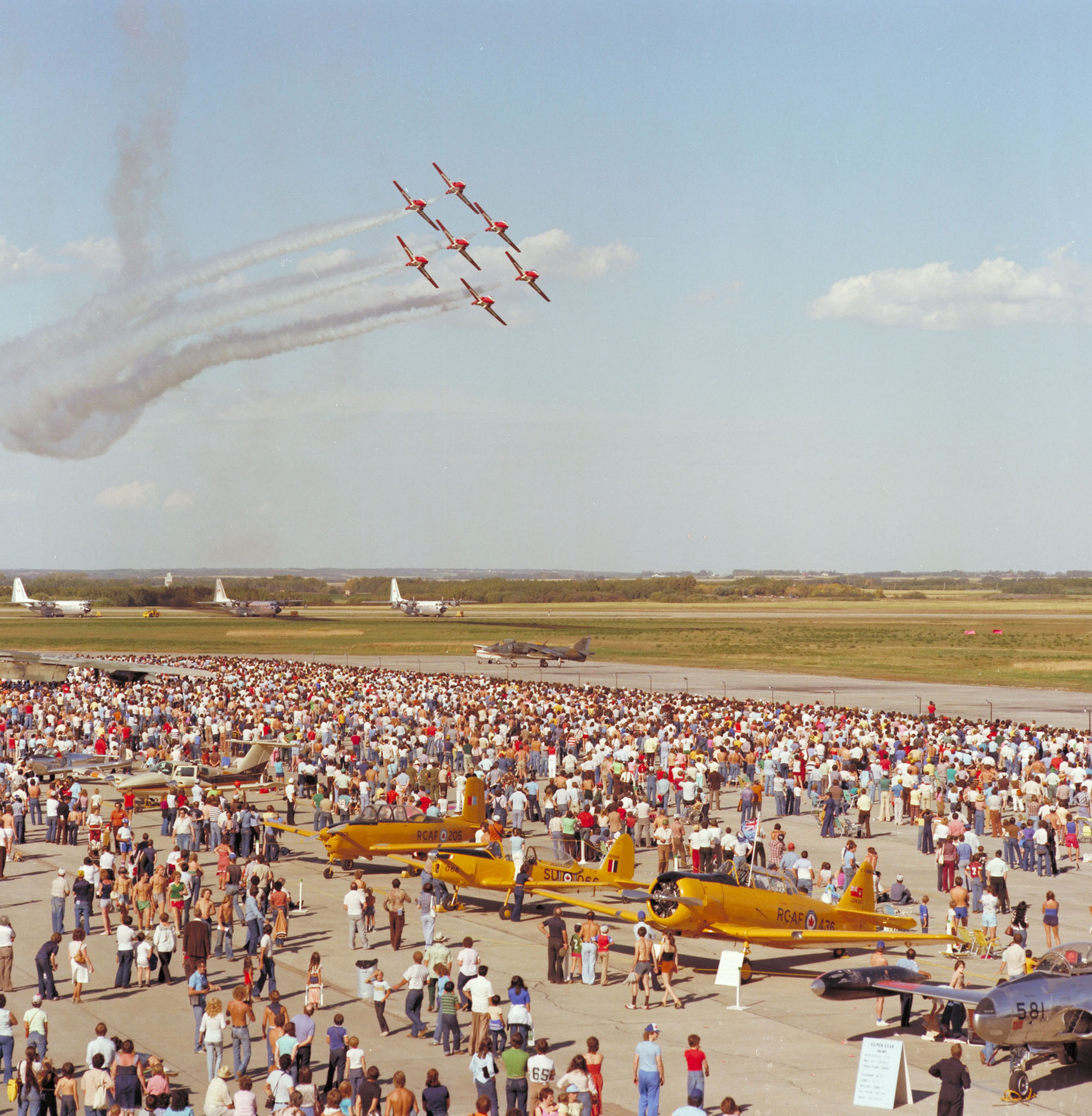 The Snowbirds in a seven-aircraft formation on September 6, 1980 at the CFB Edmonton air show. PHOTO: DND Archives, EMC80-542