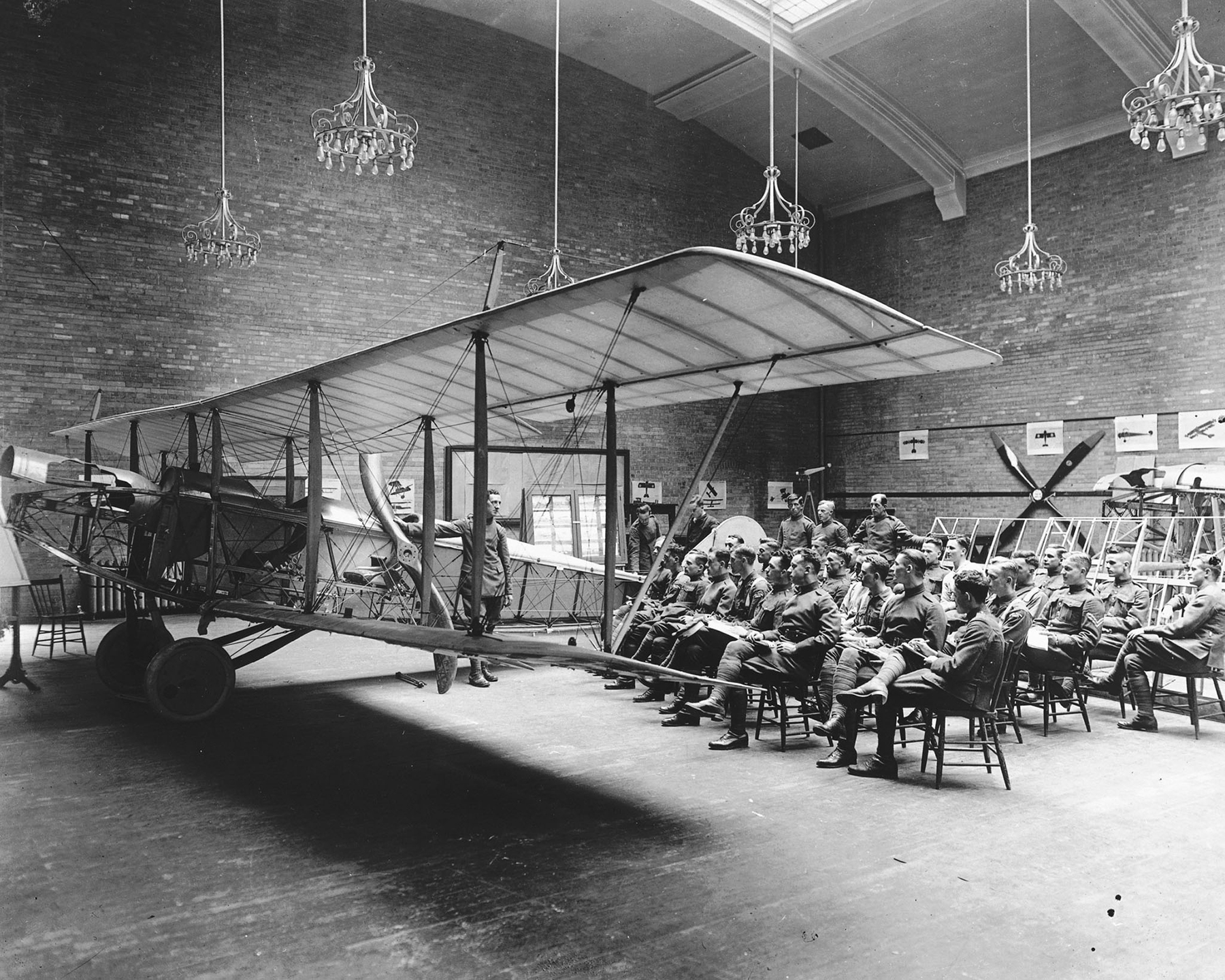 At the School of Aviation in Toronto, Ontario, Royal Flying Corps Canada students attend a lecture on aircraft rigging. DND Archives, RE-19062-40