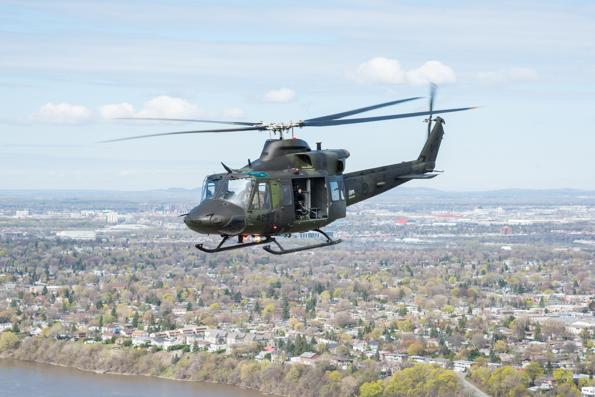 Reconnaissance flight from the Greater Montreal area to Berthierville, Quebec, a CH-146 Griffon from 438 Tactical Helicopter Squadron, Saint-Hubert, Royal Canadian Air Force, Operation Lentus, May 10, 2017