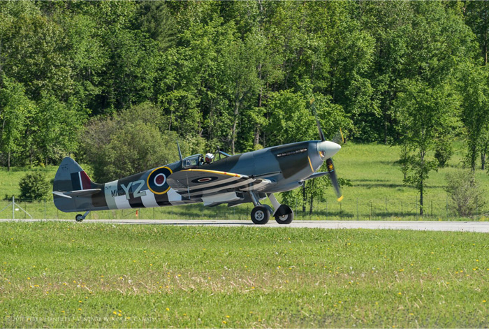 Home safe and very sound, John Aitken taxies back to the Vintage Wings of Canada hangar. PHOTO: Peter Handley
