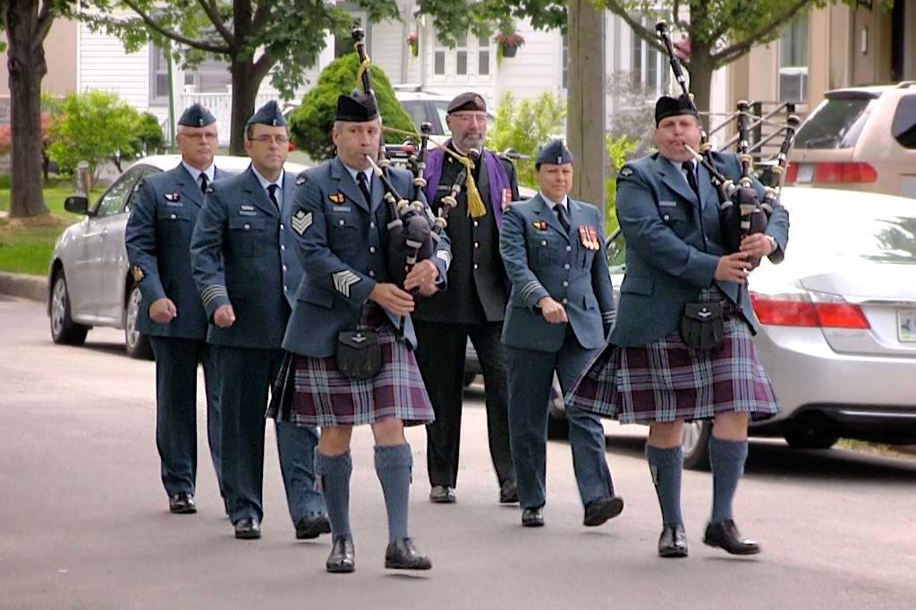 Personnel from 400 Tactical Helicopter Squadron, including members of their Pipes and Drums, arrive at the ceremony dedicating a plaque at the location of the Trethewey Airfield. PHOTO: John Bertram, CAHS