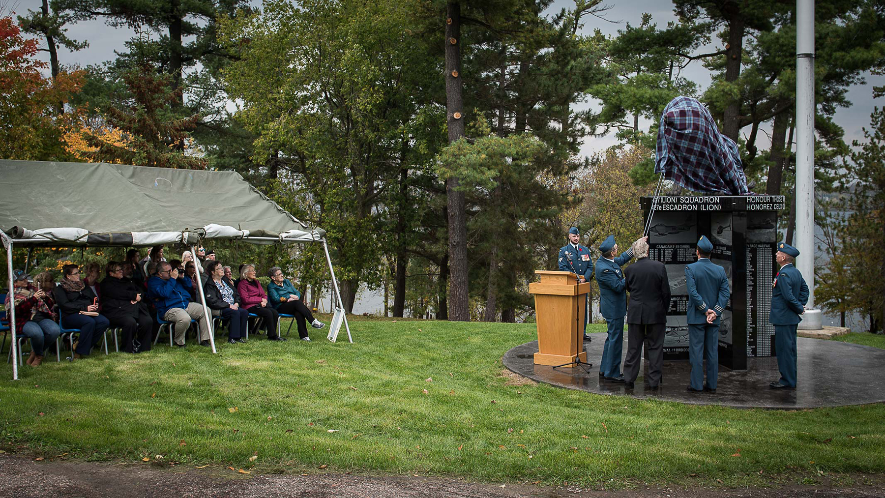 427 Special Operations Aviation Squadron members and friends attend the 427 Squadron cenotaph unveiling in Cobden, Ontario, on October 15, 2017. PHOTO: DND, PH01-2017-0094-001