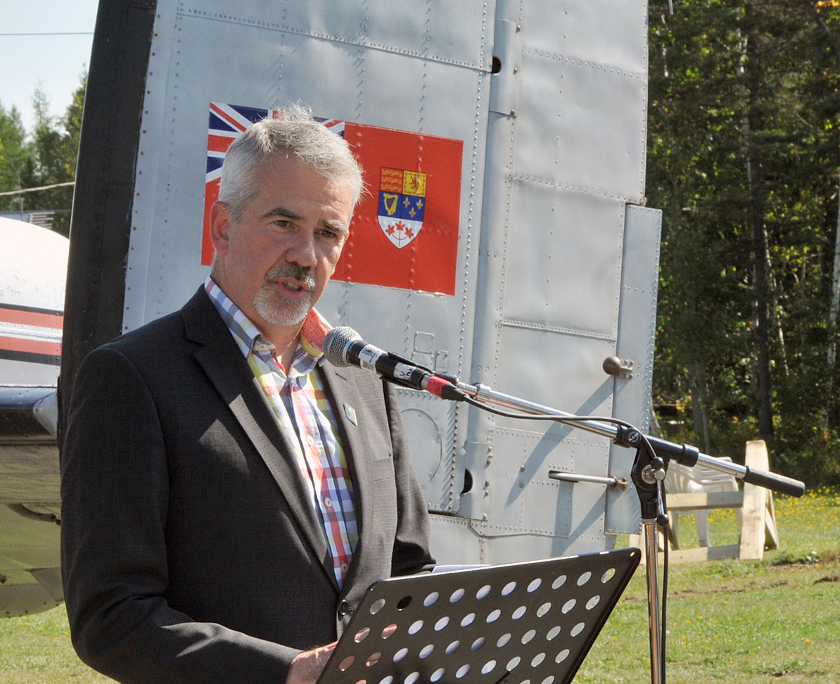 Cyrille Simard, mayor of the city of Edmundston, speaks to the audience during the transfer of KB882's ownership from the city to the National Air Force Museum of Canada. PHOTO: Warrant Officer Fran Gaudet