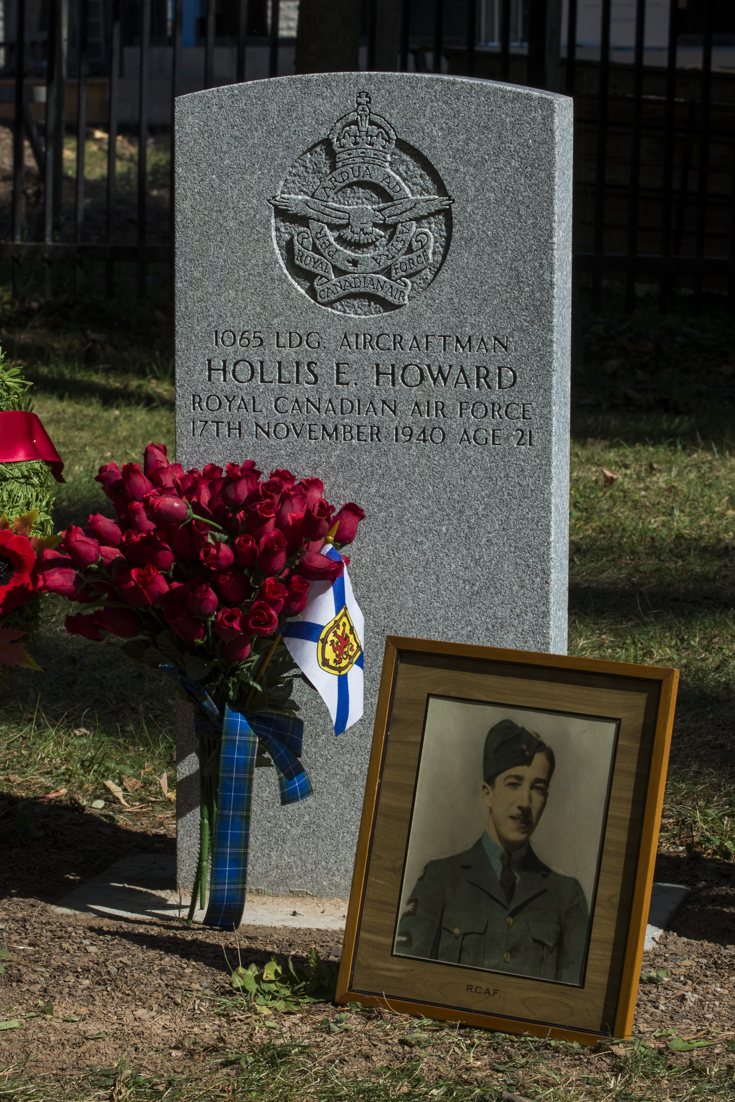 The grave of Leading Aircraftman Hollis Eugene Howard, at the Mount Hermon Cemetery in Quebec City, Quebec. The serviceman disappeared on 