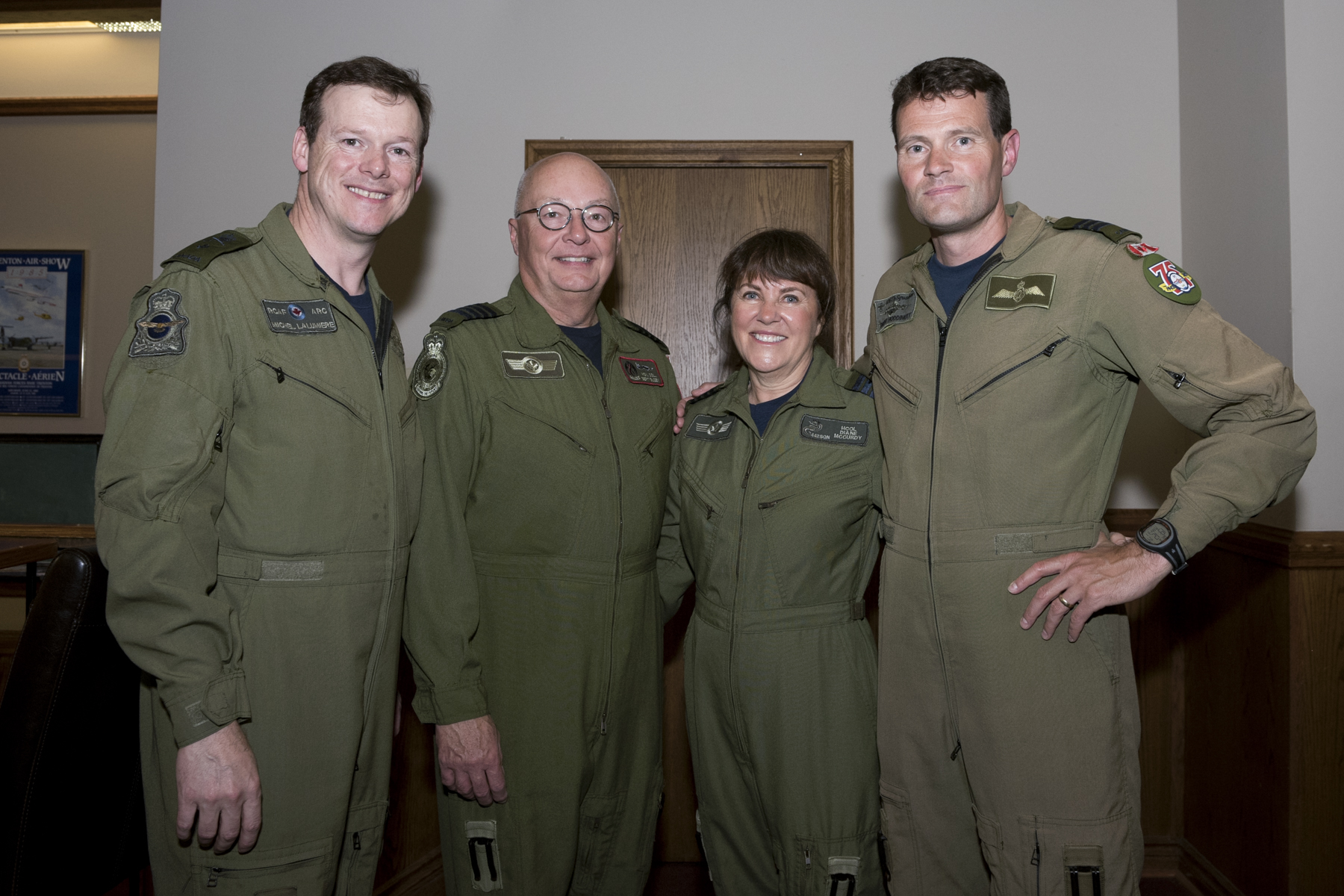 Honorary Colonel Diane McCurdy joins, from left, Brigadier-General Michel Lalumière, Honorary Colonel Albert Olson and Lieutenant-Colonel Brent Hoddinott on May 31, 2017, inside the officers' mess during the Honorary Colonels' Conference held at 8 Wing Trenton, Ontario. PHOTO: Corporal Rod Doucet, TN05-2017-0263-001