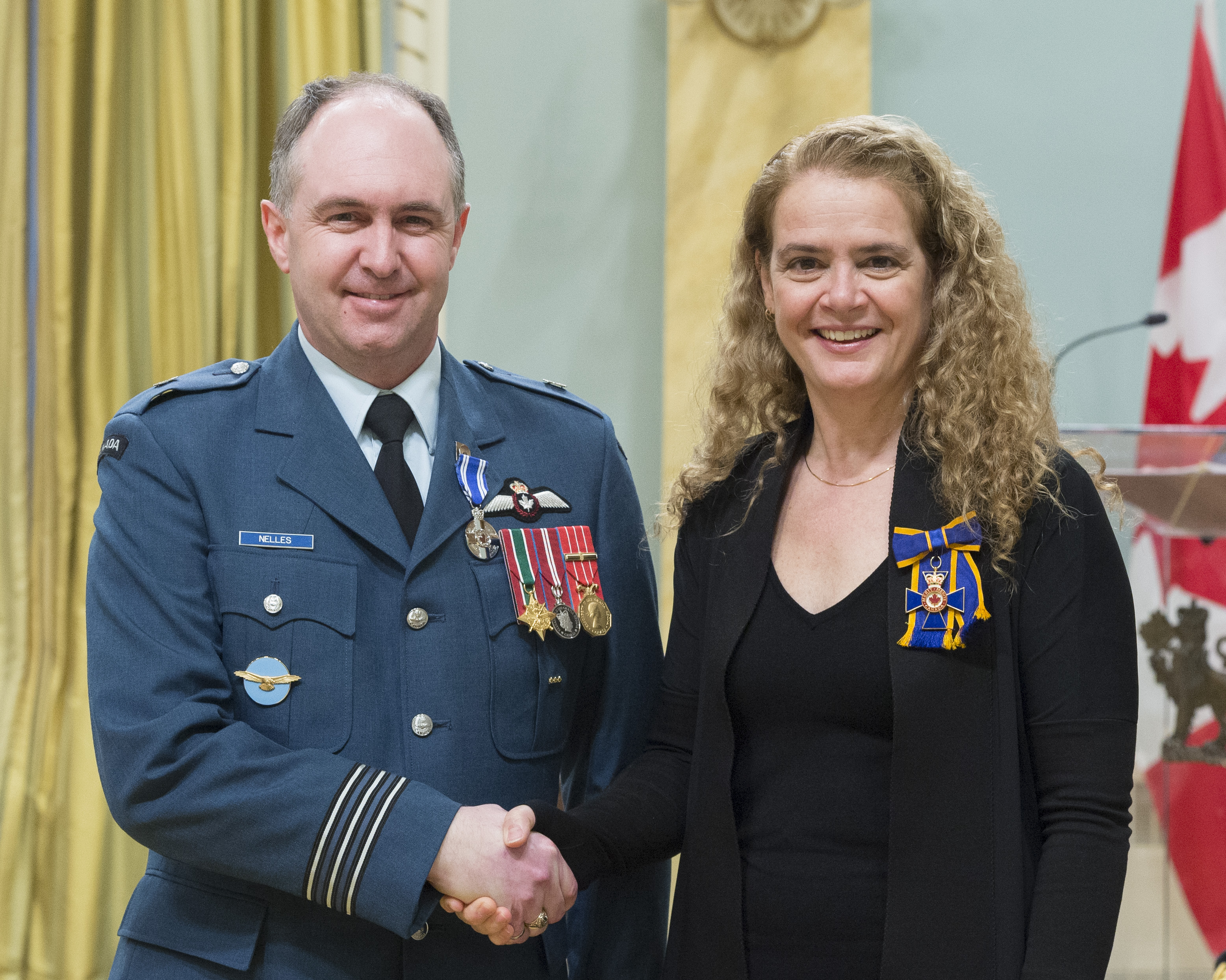Lieutenant-Colonel Jonathan James Nelles receives the Meritorious Service Medal (Military Division) from Governor General and Commander-in-Chief of Canada Julie Payette on February 28, 2018. PHOTO: Sergeant Johanie Maheu, OSGG, GG05-2018-0066-041