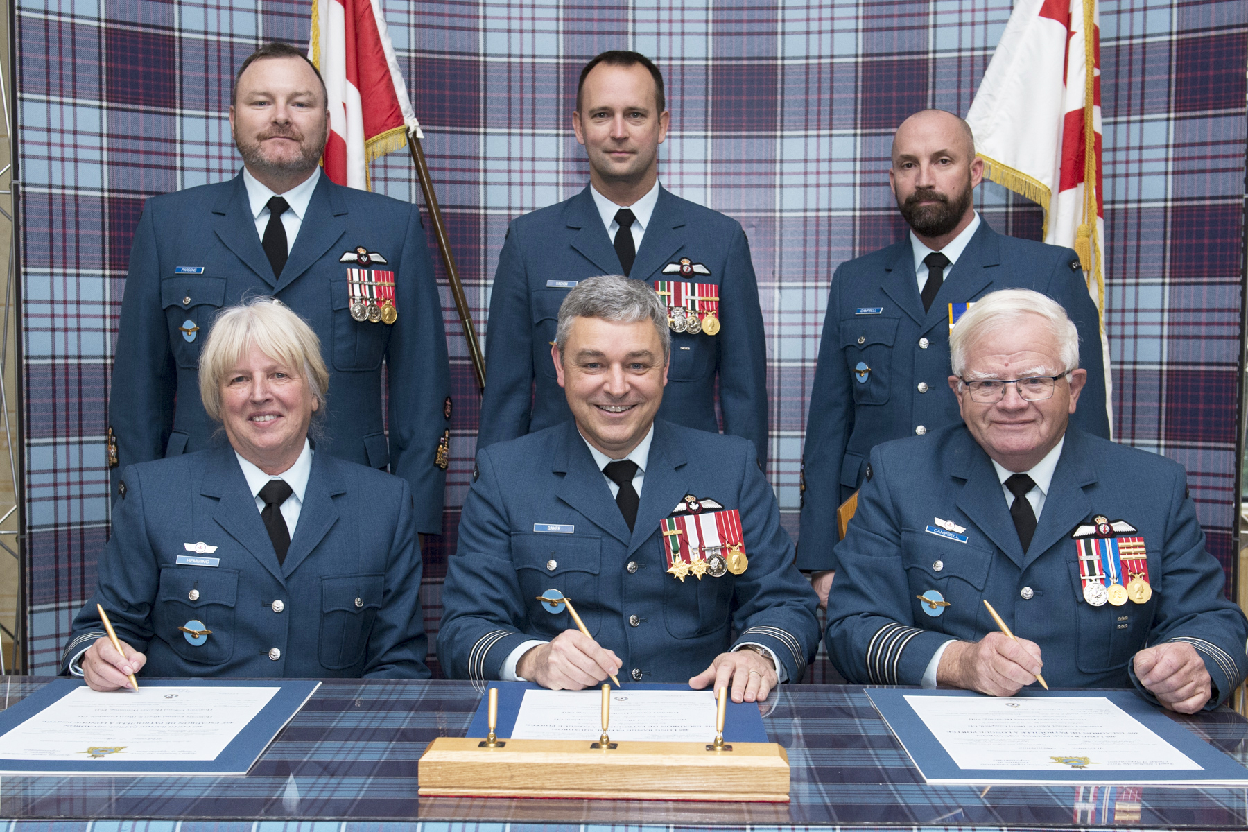 Mentorship of 405 Squadron 'family' changes hands