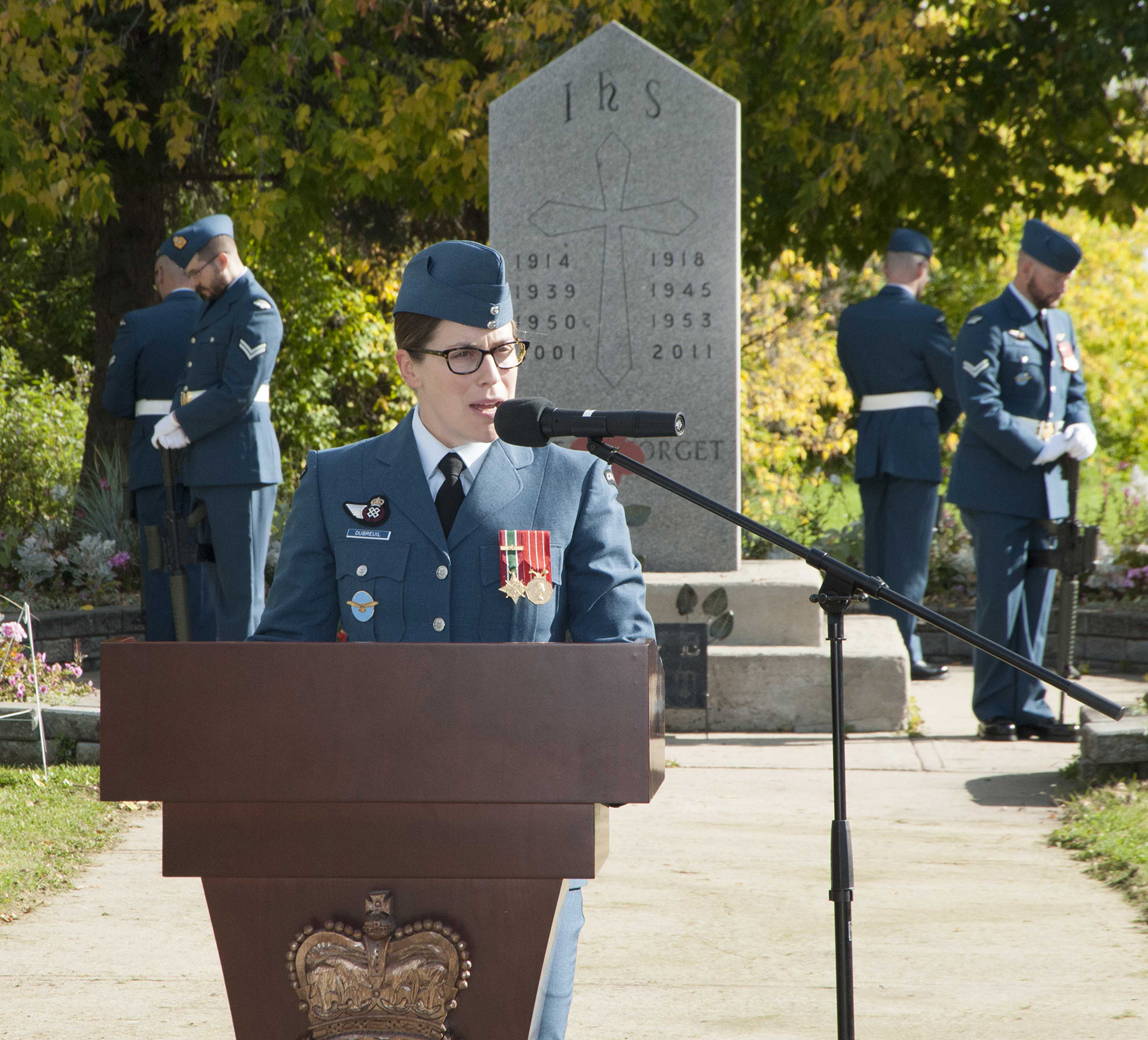 On September 15, 2019, Lieutenant-Colonel Kirsten Dubreuil, acting wing commander of 4 Wing Cold Lake, Alberta, addresses attendees of the ceremony held at the Cold Lake Legion Cenotaph to mark the 79th Anniversary of the Battle of Britain. PHOTO: Master Corporal Shane Rudderham, CK06-2019-0753-030