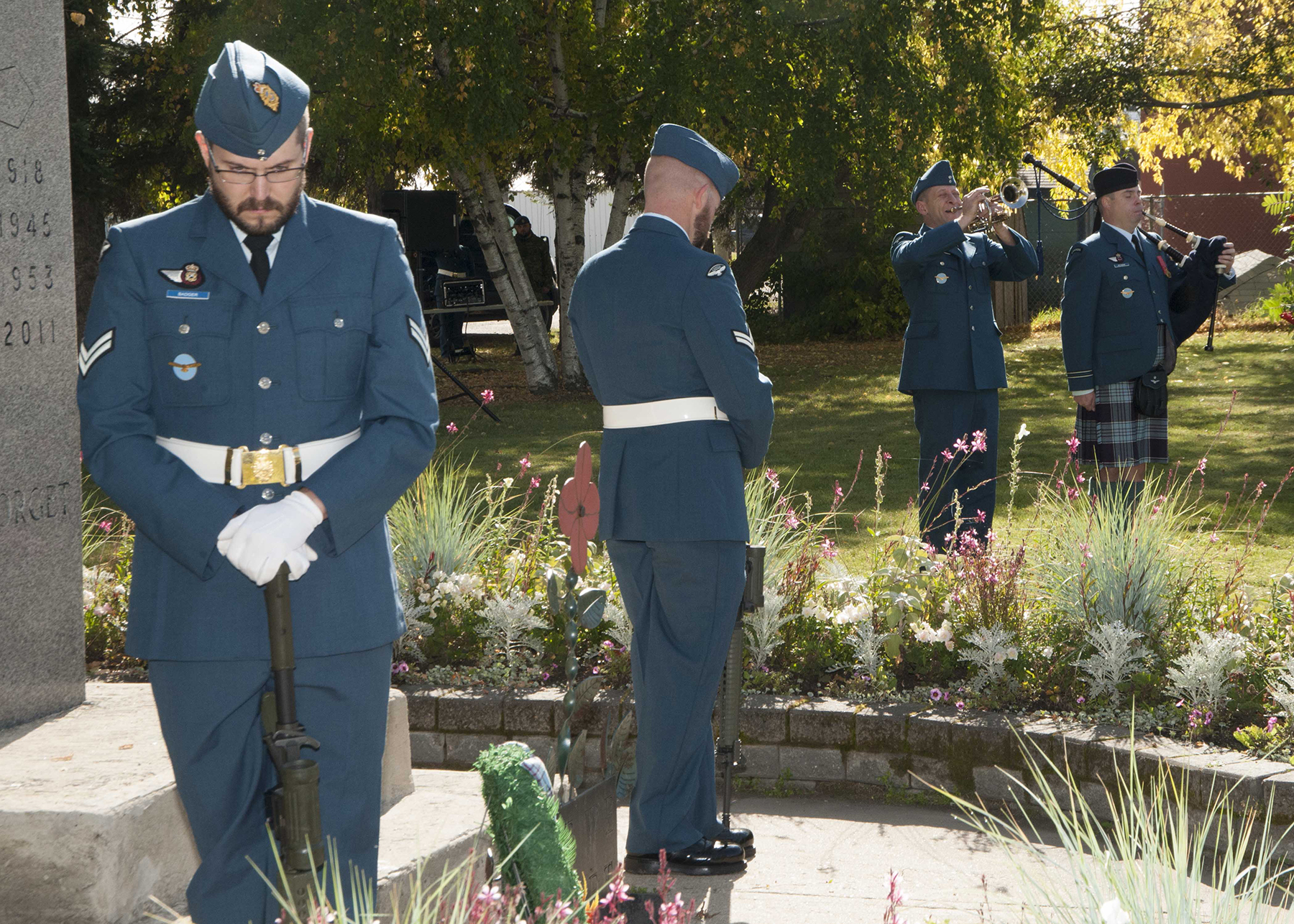 Corporal Kevin Badger and another member of the Royal Canadian Air Force stand sentry at the Cold Lake Legion cenotaph during the 4 Wing Cold Lake, Alberta, ceremony remembering the Battle of Britain on Sunday, 15 September 2019. PHOTO: Master Corporal Shane Rudderham, CK06-2019-0753-030