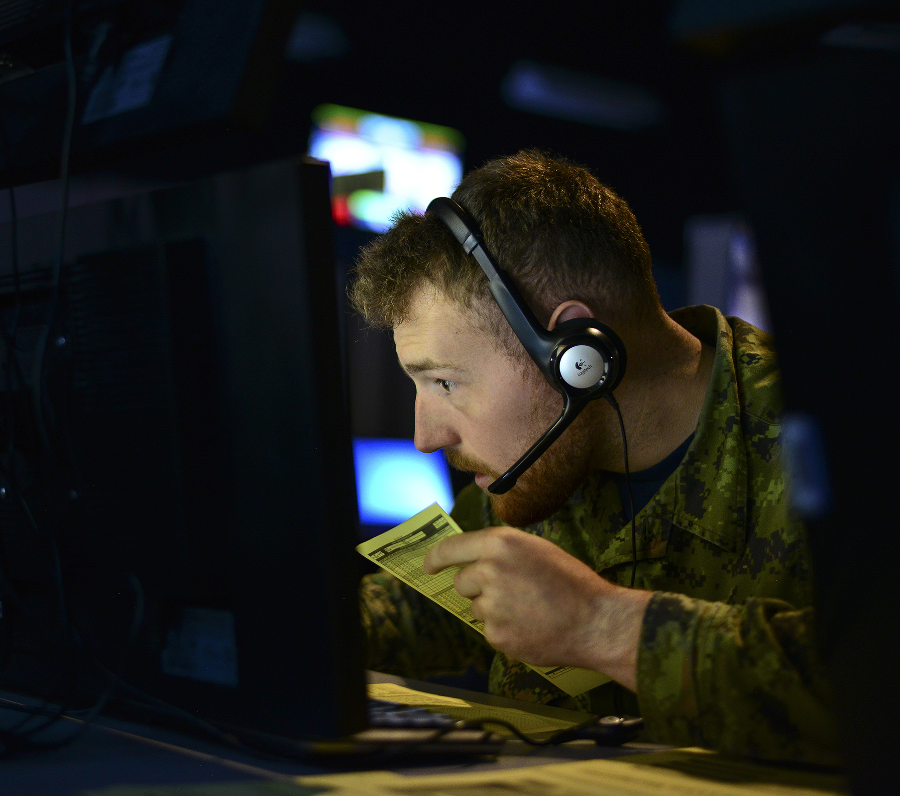A member of the Royal Canadian Air Force takes part in Exercise Coalition Virtual Flag 19-4 on September 10, 2019, at the host location, Kirtland Air Force Base in New Mexico. PHOTO: Staff Sergeant Kimberly Nagle, USAF, 5854750
