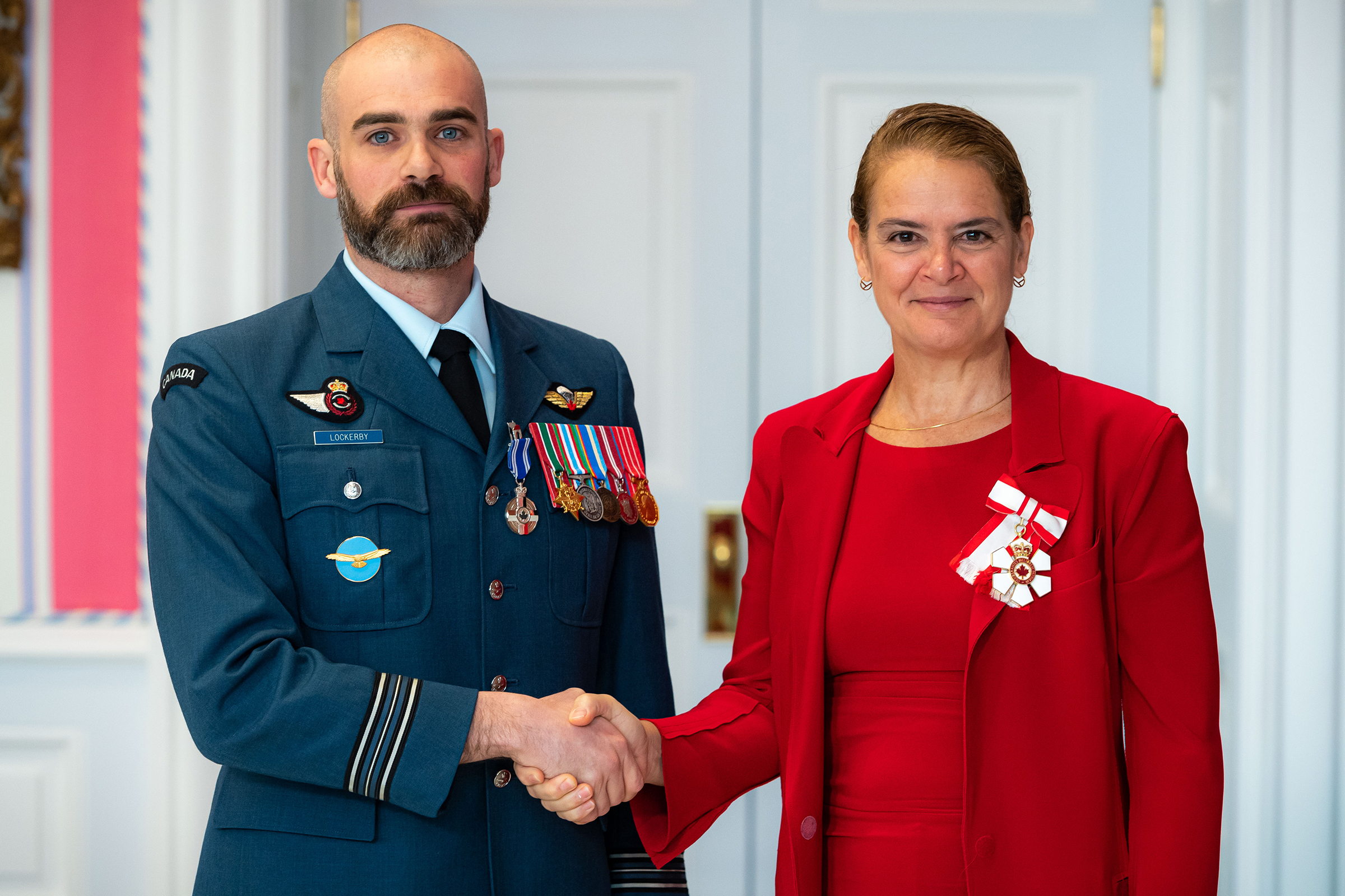 Governor General and Commander-in-Chief of Canada Julie Payette presents Major Alan Anderson Lockerby with the Meritorious Service Medal (Military Division) on November 12, 2019. PHOTO: Master Corporal Mathieu Gaudreault, GG06-2019-0257-075, © OSGG
