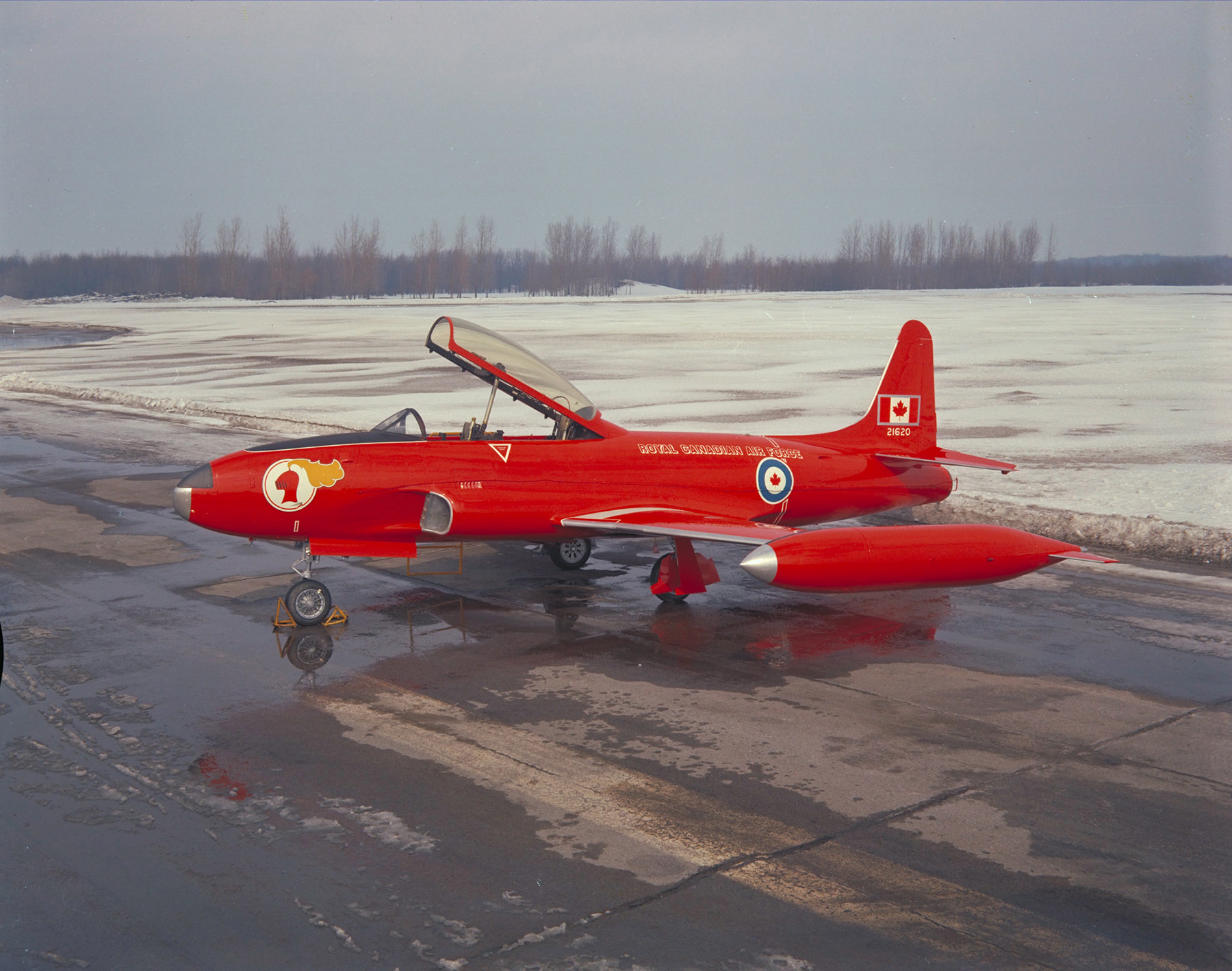 The Red Knight aircraft, a CT-133 Silver Star, sports a new type of red paint for the Golden Centennaires' 1967 Centennial show season. The Red Knight team will receive the Belt of Orion, the Canada's Aviation Hall of Fame' award of excellence, in 2020. PHOTO: DND Archives, PCN67-283