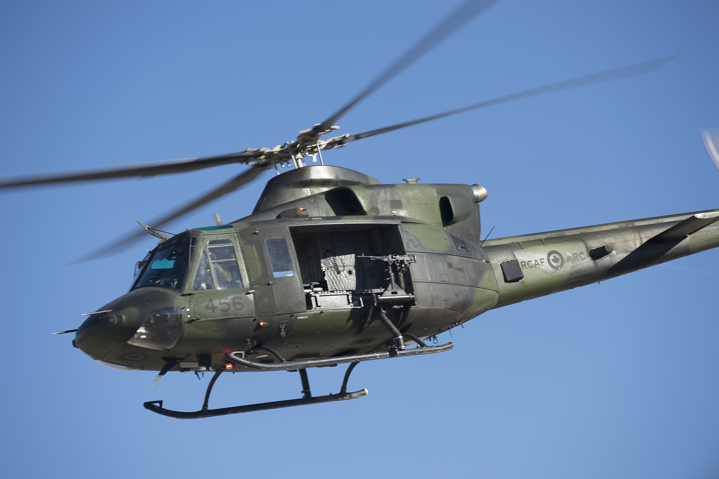 A CH-146 Griffon from 408 Tactical Helicopter Squadron in flight during Exercise Striking Bat at Marine Corps Air Ground Combat Center Twentynine Palms, California. The squadron is practicing flying operations and helicopter maintenance in an austere and challenging desert environment, similar to what they will face during their upcoming deployment to Iraq. PHOTO: Corporal Desiree T. Bourdon, DND