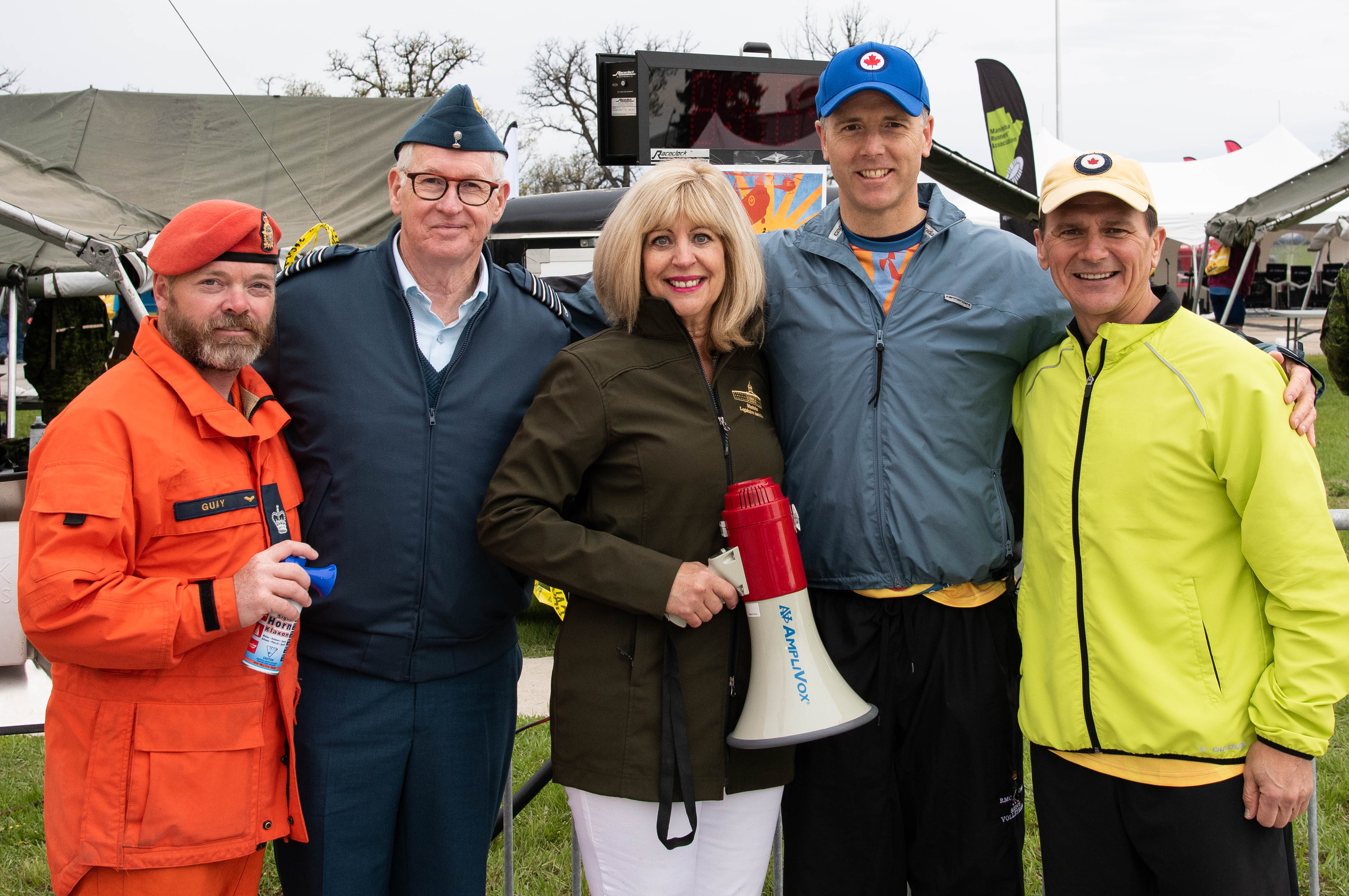 Honorary Colonel Stuart Murray, second from left, with the team starting the RCAF Run in 2019. With him are Warrant Officer Dwayne Guay, Cathy Cox, Manitoba Minister of Sport Culture and Heritage, Lieutenant General Al Meinzinger, Commander of the RCAF, and Chief Warrant Officer Denis Gaudreault, RCAF Chief Warrant Officer. PHOTO: Master Corporal Justin Ancelin