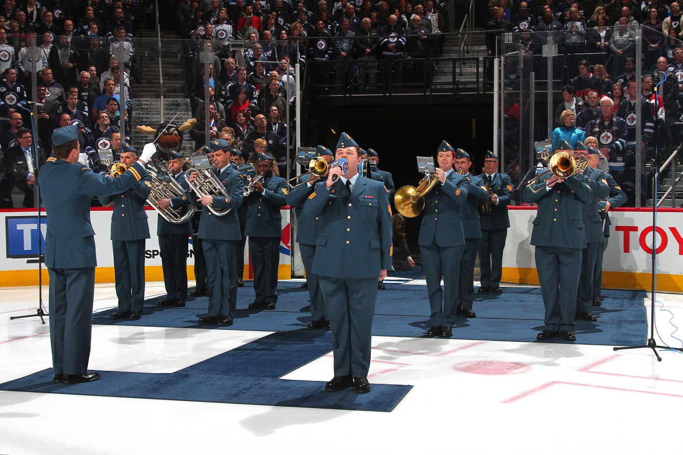 The RCAF Band performs our national anthem for the Winnipeg Jets Military Appreciation Day.