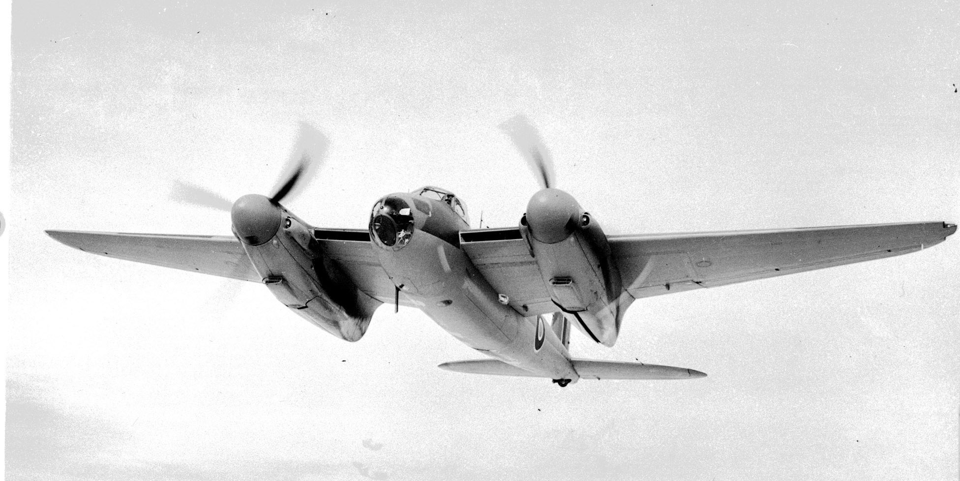 A Mosquito B Mk 25 in flight on January 25, 1943. PHOTO: DND Archives, PL-14570