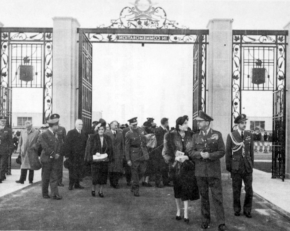 Guests of honour pass through the BCATP Memorial Gates for the first time, following the presentation ceremony held September 30, 1949, at RCAF Station Trenton, Ontario. PHOTO: From the presentation ceremony commemorative booklet