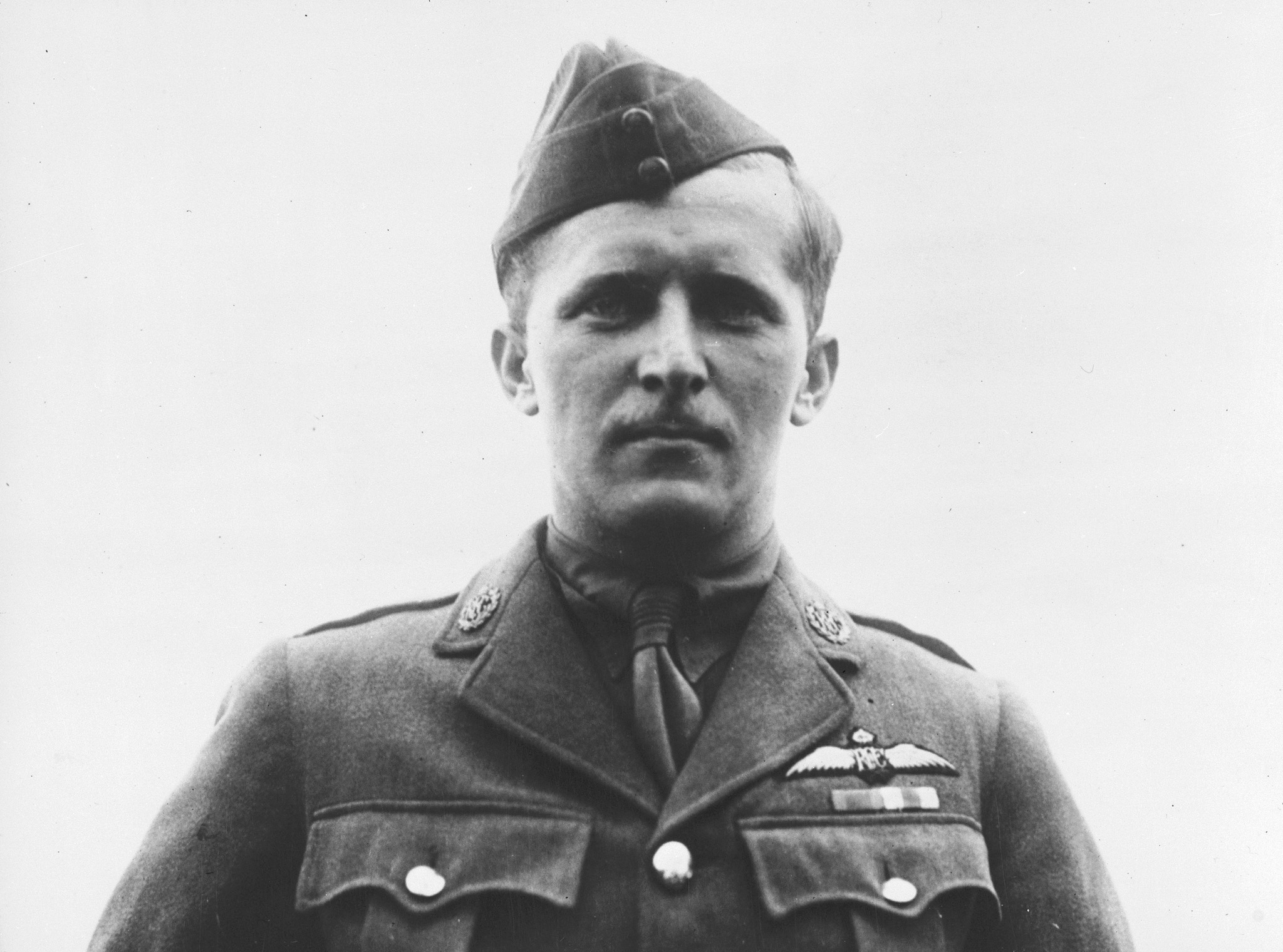 A photo of Captain William A. Bishop, taken on August 6, 1917, while he was with No. 60 Squadron. The photo was taken several days before London Gazette announcement that he had been awarded the Victoria Cross; it can be seen that he was wearing only the ribbons of the Distinguished Service Order and Military Cross at this time. PHOTO: DND